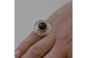 Strieborný prsteň SC