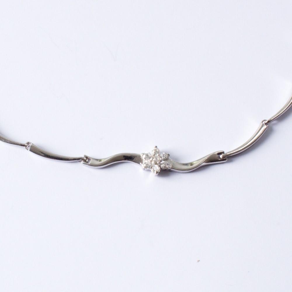 Strieborný náhrdelník Etela