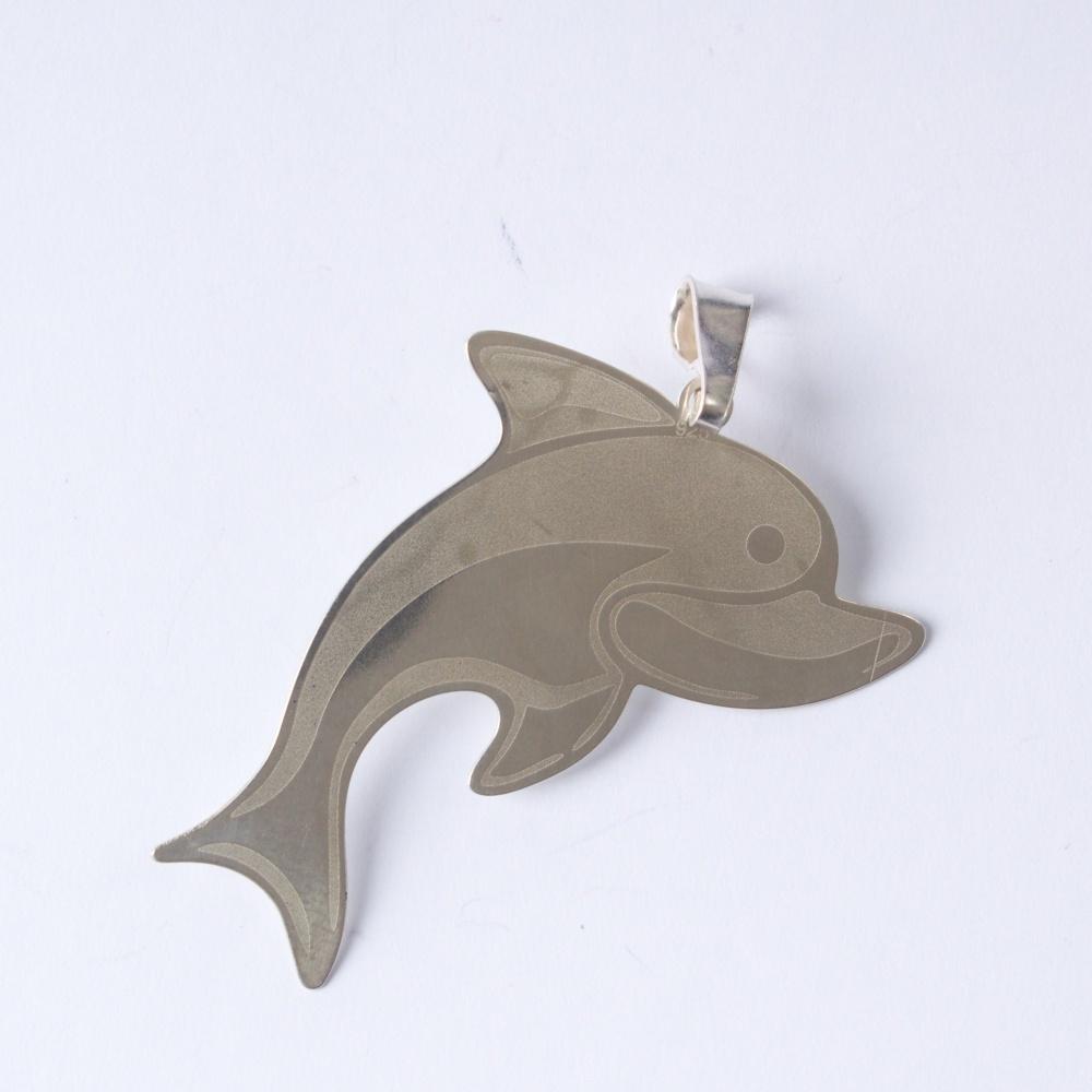 Strieborný prívesok Delfín