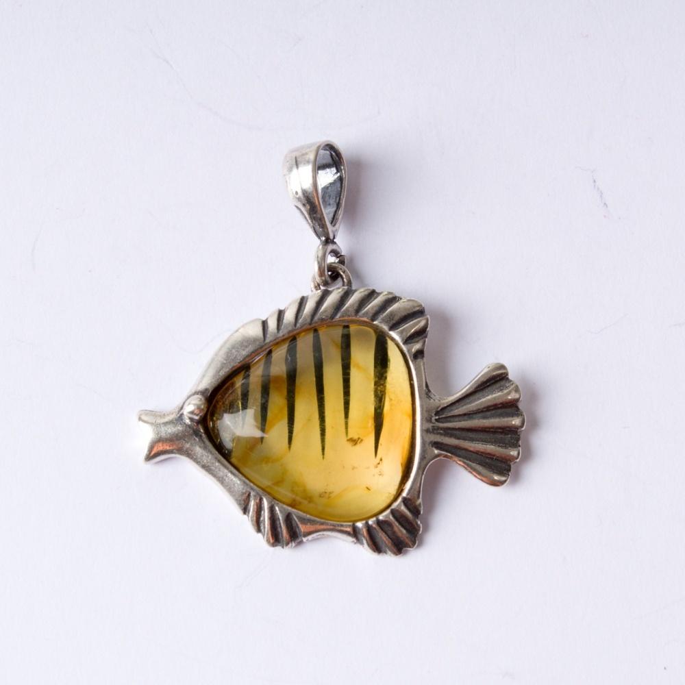 Strieborný prívesok rybička