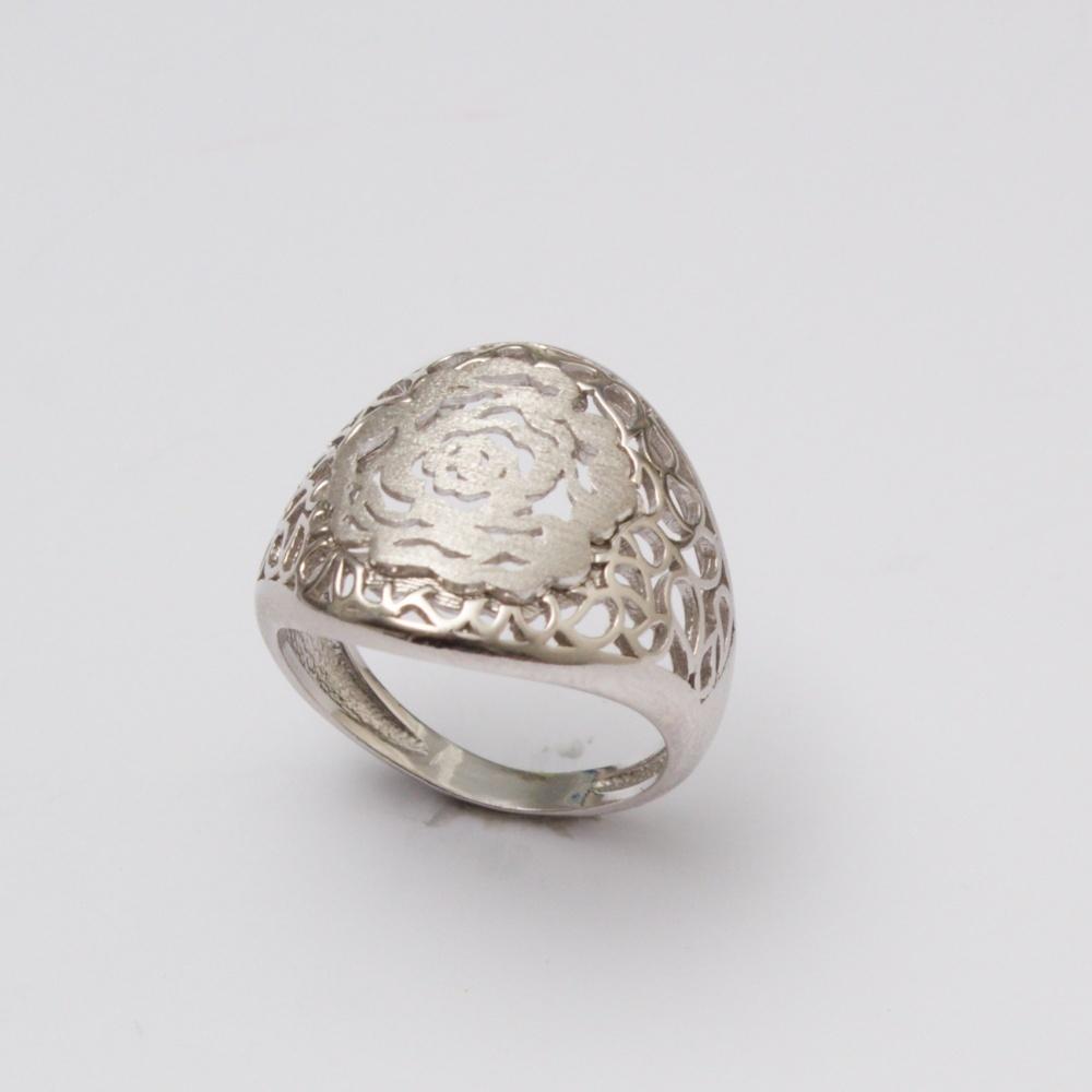Strieborný prsteň kuli