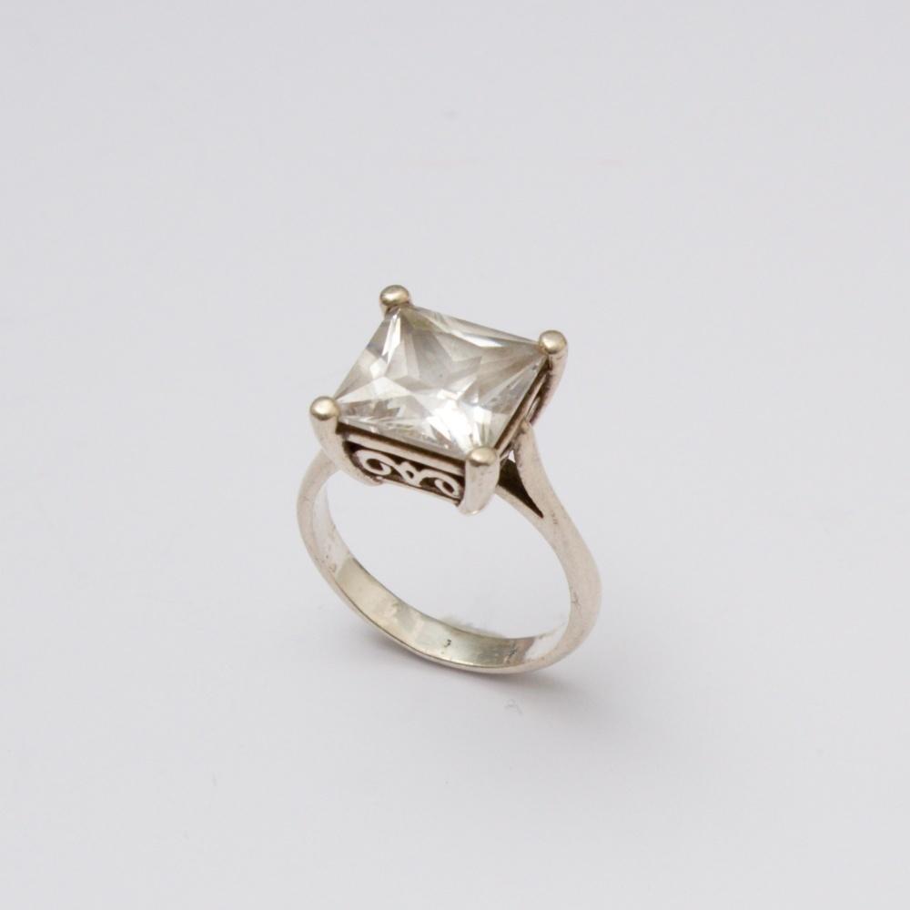 Strieborný prsteň  klasický