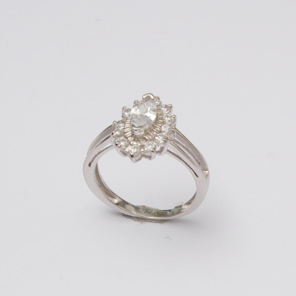 Strieborný prsteň Ewelyn