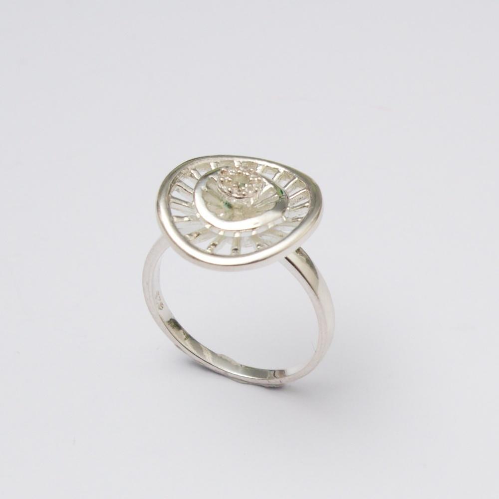 Strieborný prsteň Quiny