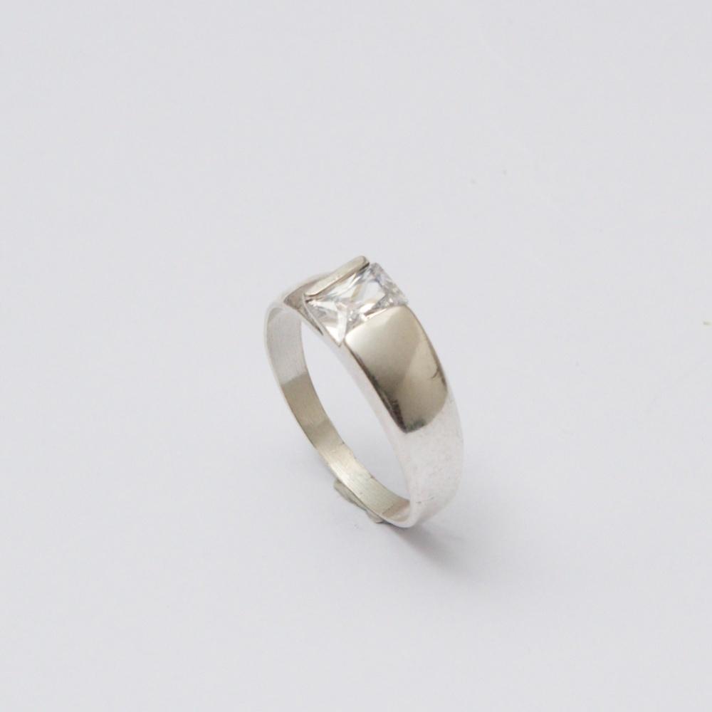 Strieborný prsteň X